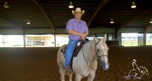 Keeping a Horse Quiet While in the Middle of the Pen – Dell Hendricks